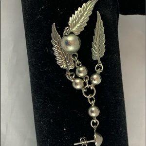 Silver Feather Dangle Earrings -112